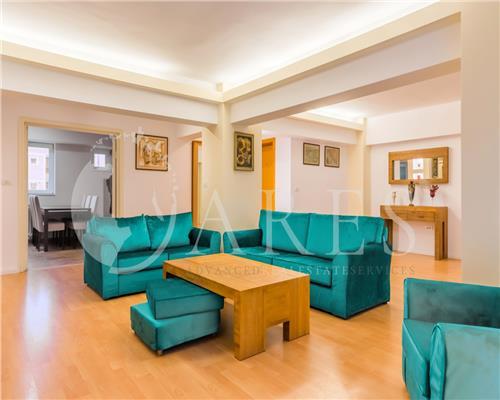 Apartament 3 Camere 104 MP Mobilat Vedere Panoramica Unirii